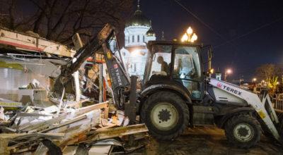 Иезуитский погром торговых павильонов и ларьков в Москве